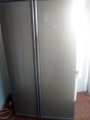 Silver defy 640L side by side fridge freezer