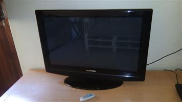 Telefunken 32 Inch Flat-screen tv, with remote control and in excellent condition!!