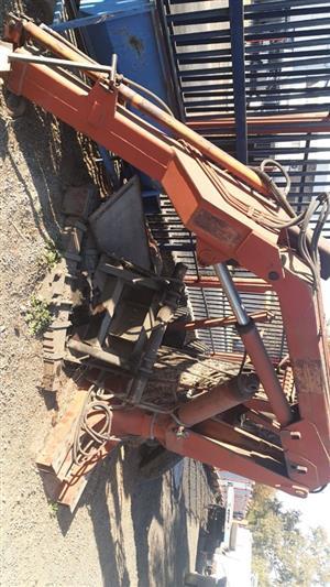 5 Ton hydraulic crane for sale.