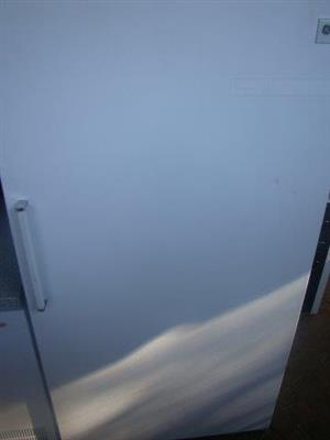 GE 472L Upright freezer frost free