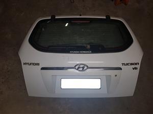Hyundai Tucson white tailgate for sale