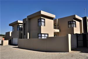 To Let: Unfurnished 4 Bedroom House In North Riding, Randburg.