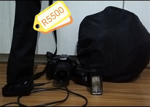 Canon Eos 1100D with 18 - 55 lens