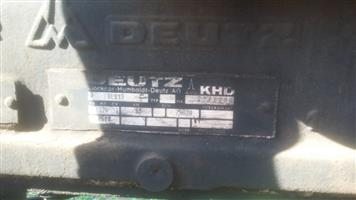 DEUTZ 6 CYLINDER ENGINE WATER PUMP