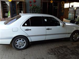 1997 Mercedes Benz 220SE