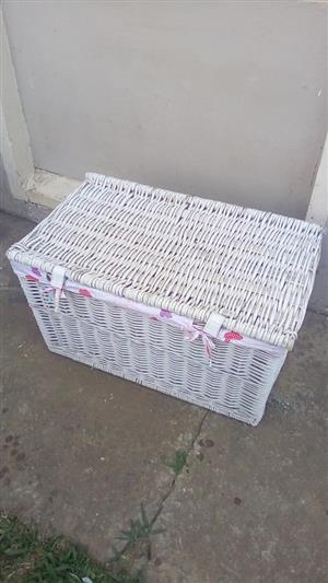 White picnic basket for sale