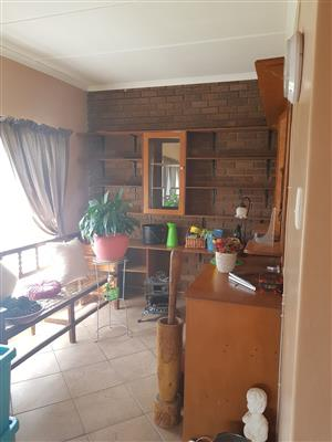 3 Bedroom House to let in 99 Victoria Roas  R6600 pm