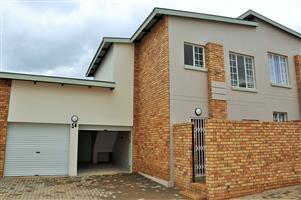 AVAILABLE 1 NOVEMBER: Unfurnished 2 Bedroom Townhouse in Hazeldean, Pretoria East.