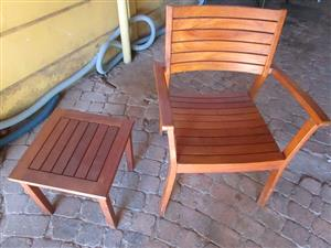 100% TEAK CHAIR WITH TEAK SIDE TABLE