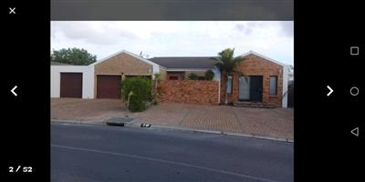 8-Bedroom House for Sale in Mikro Park, KUILSRIVER