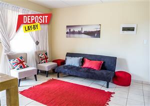 2 Bedroom Spacious Apartment, 1st Floor Unit, Close to Johannesburg CBD, Route 82 Security Village Kibler Park, Johannesburg South