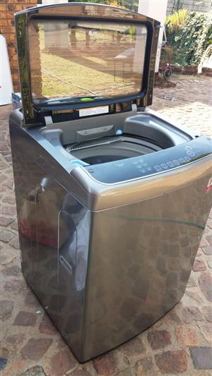 Washing Machine - 19KG LG TOP LOADER - STILL UNDER WARRANTEE!! (BOKSBURG)
