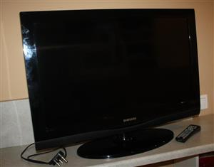 "Smart LCD 32"" Colour TV set for sale  Johannesburg - Sandton"