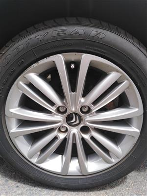 Looking for one 206/55R16 Mag Rim & Tyre