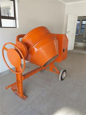 Concrete mixer for sale  Bloemfontein
