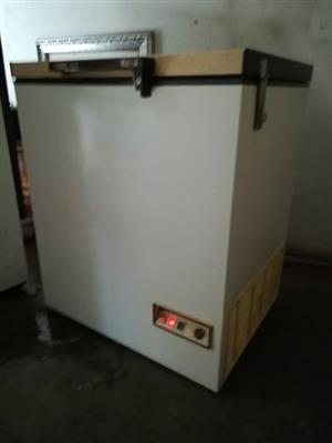 Defy 2000 chest freezer 210L