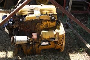 FORDSON D500 ENGINE