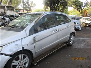 MERCEDES BENZ B170 STRIPPING FOR SPARES