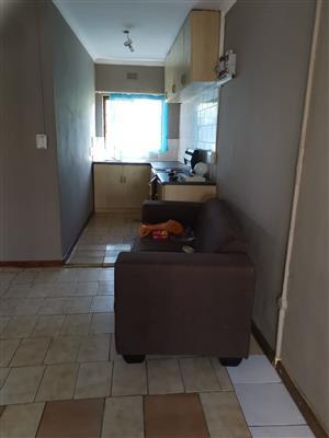 2Bedroom sem detached house to rent (separate entrance)
