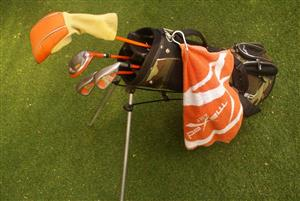Mini / Junior Little Tiger Golf set with clubs and bag