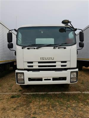 2012 Isuzu FTR850 Automatic, curtian side / tautliner truck for sale with a tail lift