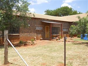 2 Bed 1 Bath House to Rent at Vastfontein near Rooiwal Power Station