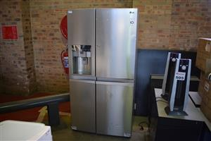 LG 4 Door dispensing fridge