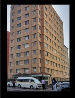 R1000 Room share Males