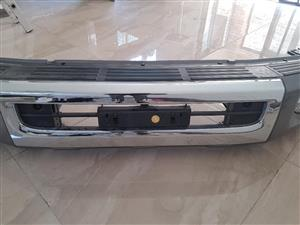 BRAND TOYOTA LANDCRUISER LC79 4.5D V8 FRONT BUMPER WITH ACCESSORIES