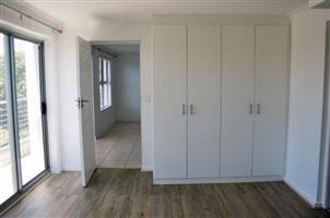 A lovely 2 bed apartment in the popular development, The Rondebosch