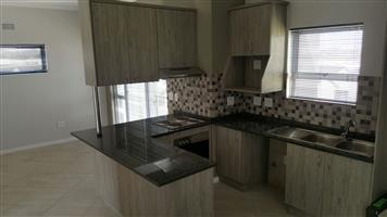 BUHREIN ESTATE:  STUNNING 2 BEDROOM APARTMENT - TO LET