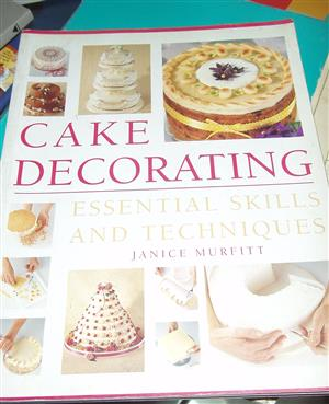 Cake Decorating: Essential Skills and Techniques Paperback – by Janice Murfitt