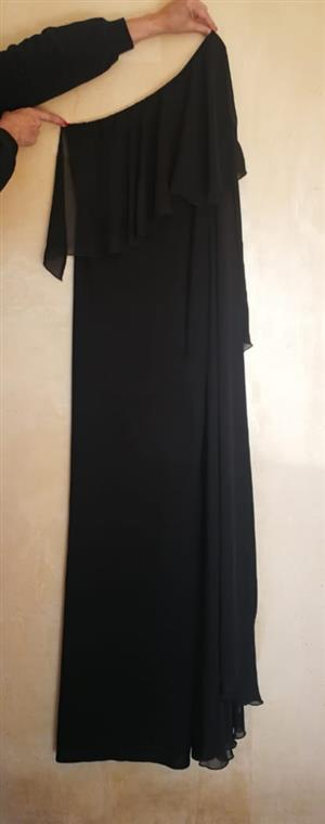 Ladies ballgown. Black chiffon.