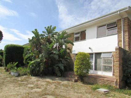 *PANORAMA: 3 Bedroom Duplex / Own Garage / building 171sq meters