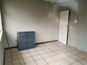 BIG BEDROOM AVAILABLE FOR RENT IMMEDIATELY