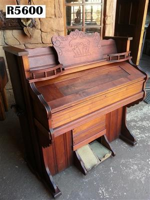 Antique York Penn;a Organ - Weave Organ and Piano Co. (1110x595x1160)