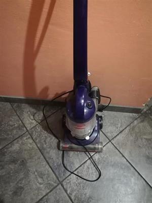 Stand up vacuum