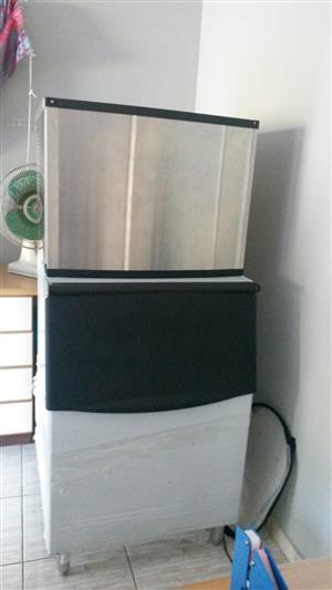 Ice machine 350/24kg