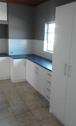 House with garden flat to rent in Villieria