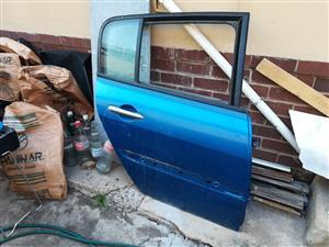 Renault Megan shake it original right hand side door complet for sale
