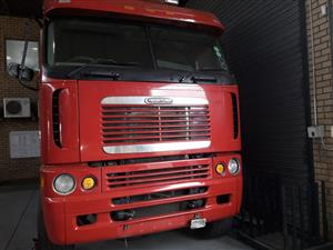 Smashing deals on this Freightliner truck.