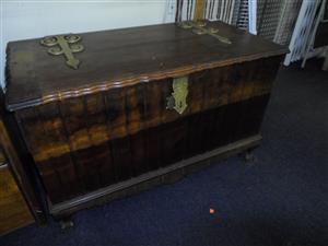 Wooden Ball & Claw Kist