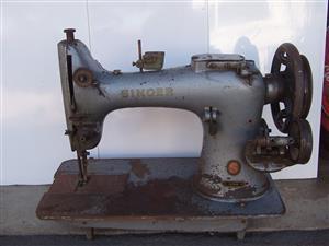 Antique Singer Sewing Machine - Model  EV 377308 - 132 KG