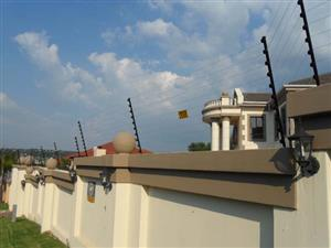 Spike Fencing / Razor wire supply and fitted & Electric fencing / at low costs R 55 for sale  Johannesburg - Midrand