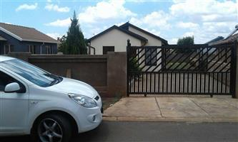 2500 2bedroom house to rent in soshanguve block xx call now