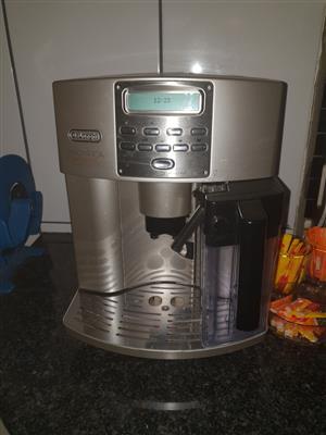 Coffee machine Delonghi Magnifica