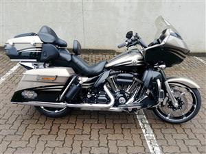 Stunning Road Glide CVO Covered in Extras!