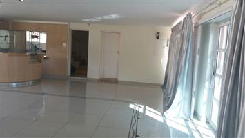 3 BEDROOM APARTMENT IN MONDEOR FOR OFFICE RENTAL