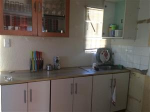 Zola massive 3bedroomed house to rent for R4000