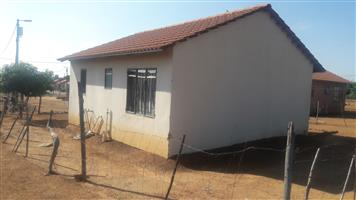 2BEDROOMS ON THE MAIN ROAD FOR SALE IN WINTERVELDT.